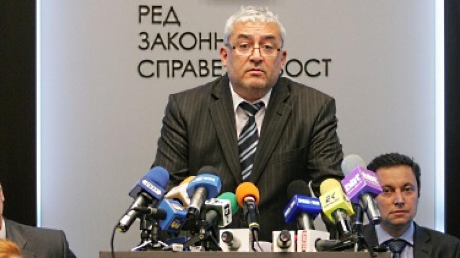 РЗС: Забогатяването на Цветанов е шокиращо