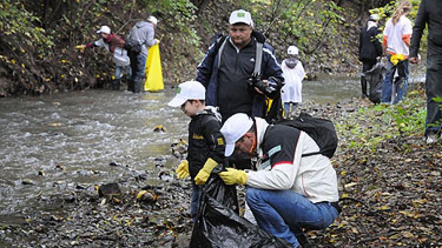 Доброволци спестиха на софиянци 9000 кг CO2