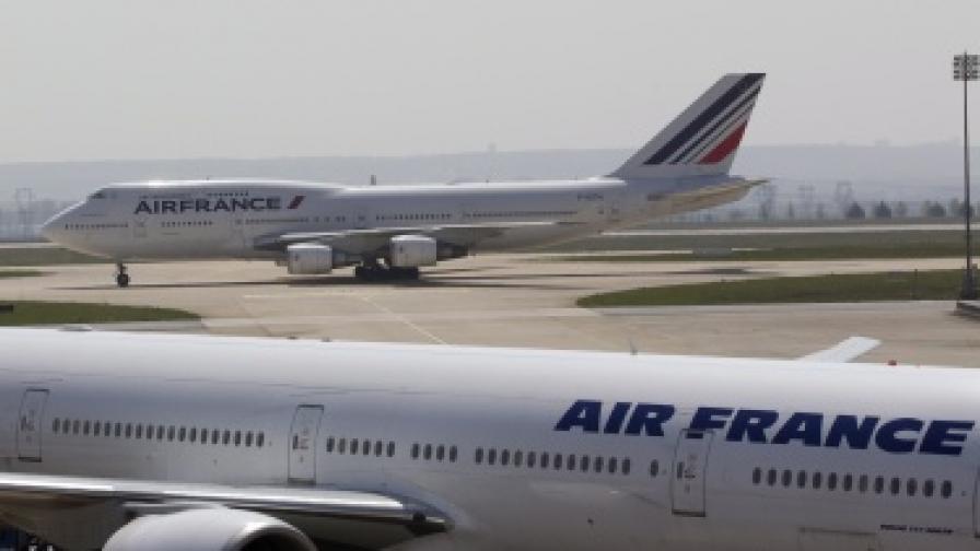 Франция: Самолетите да зареждат в чужбина