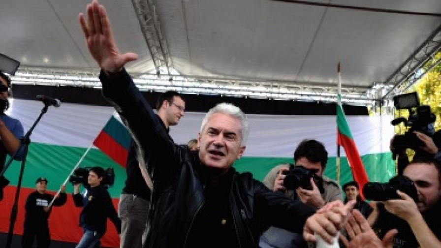 Атакаджии искат оставката на Сидеров