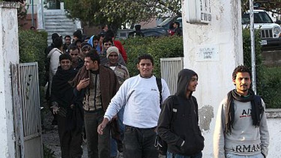 ФРОНТЕКС праща охранители на Гърция до дни