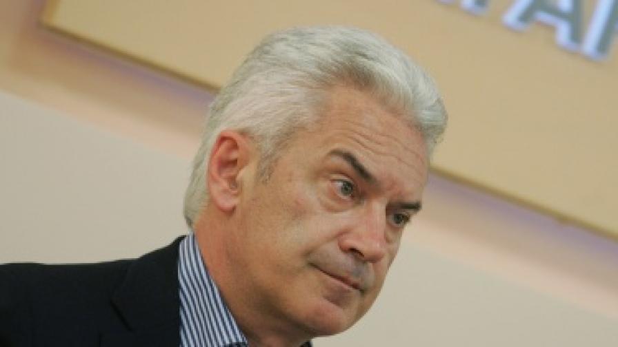 Сидеров: Първанов не е политически потентен