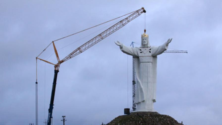 Полша с най-високата статуя на Христос
