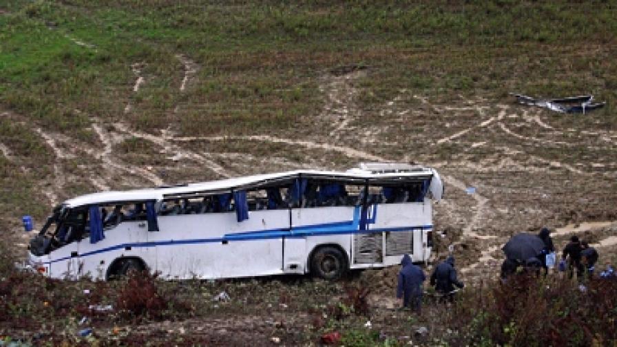 Деветима загиват при катастрофа в Албания