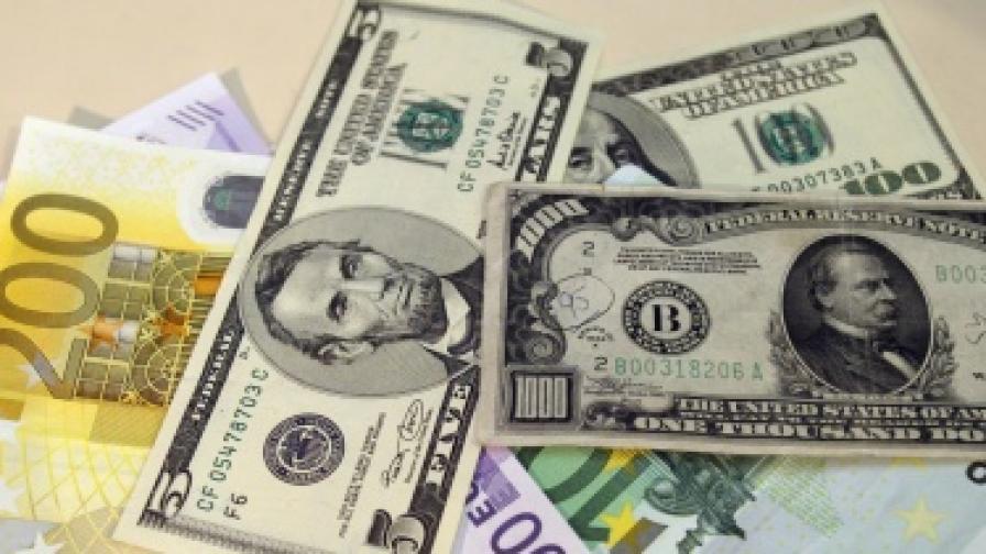 """1,6 млрд. """"емигрантски"""" долара за България през 2010 г."""