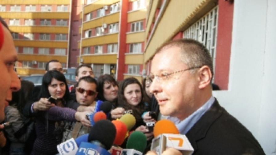 Станишев: Над някои от документите се смях от сърце