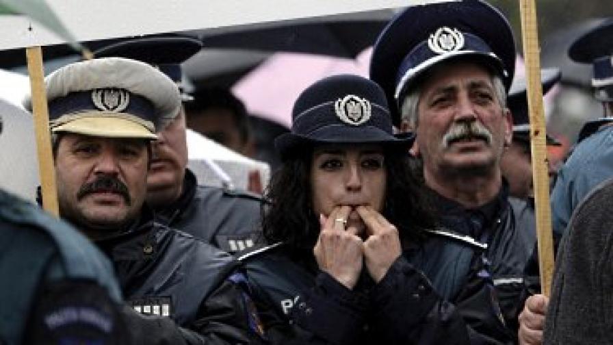 """Корупционни скандали """"обезглавиха"""" румънската полиция"""