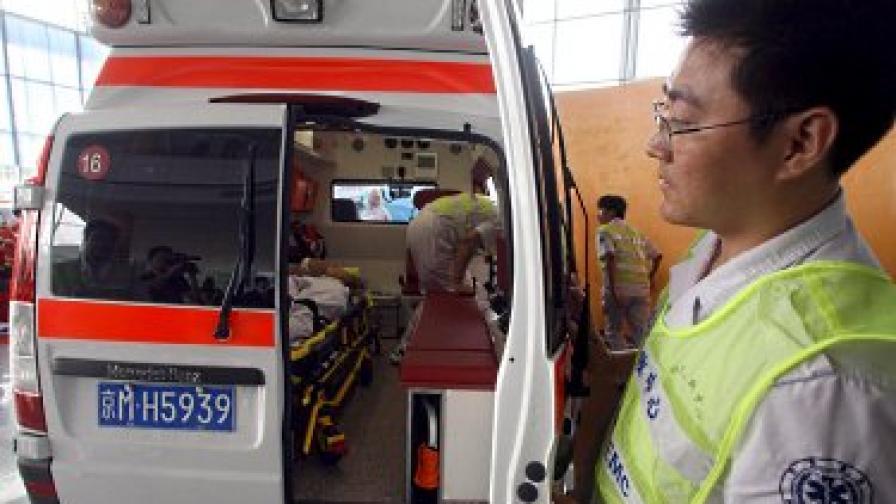 Десетки деца пострадаха при блъсканица в училище в Китай