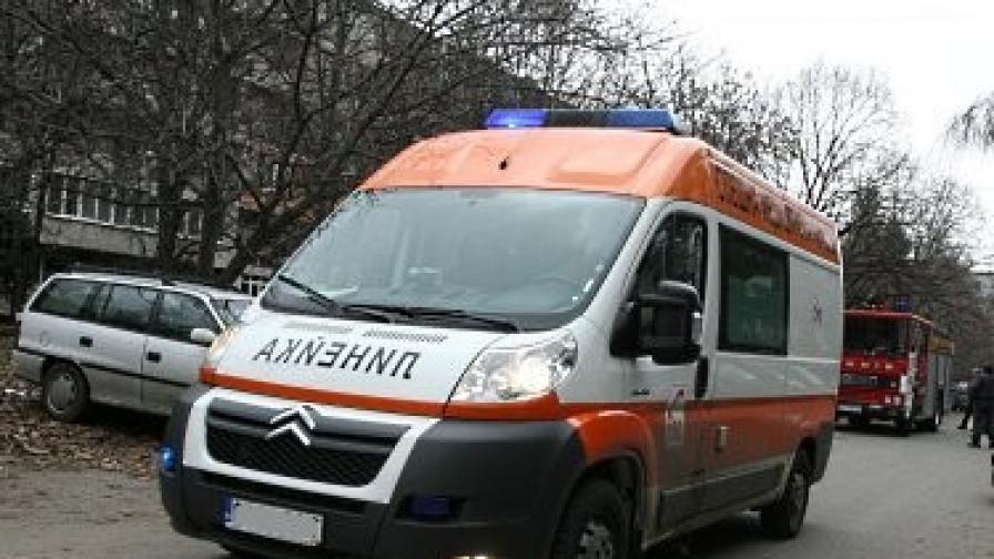 Жена загина, прегазена от три коли и камион