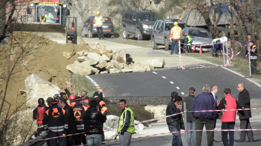 Откриха пропадналия от Е-79 камион без шофьора му