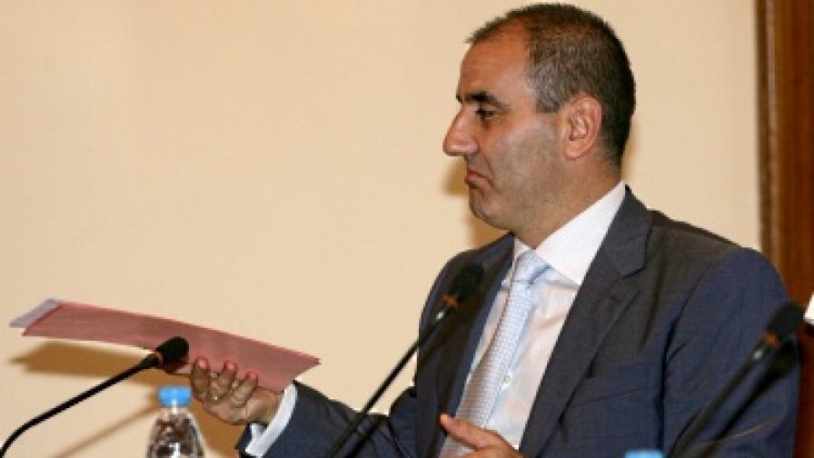 Скандалите подкопават доверието в ГЕРБ