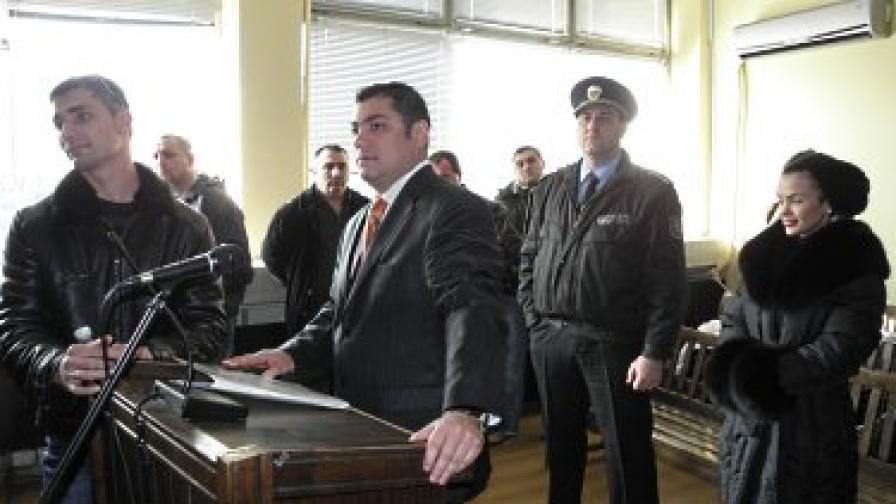 Три денонощия арест за бодигарда на Мара Отварачката