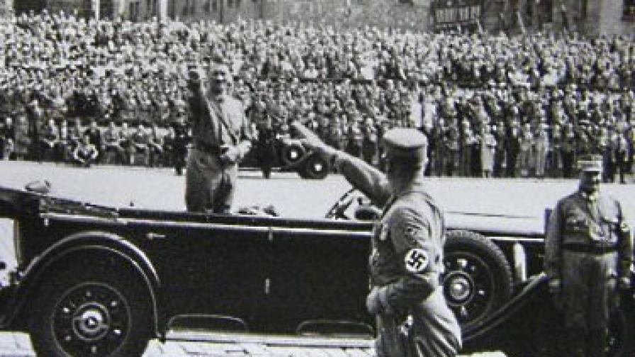 Куче, имитиращо Хитлер, вбесило нацистите през 1941 г.
