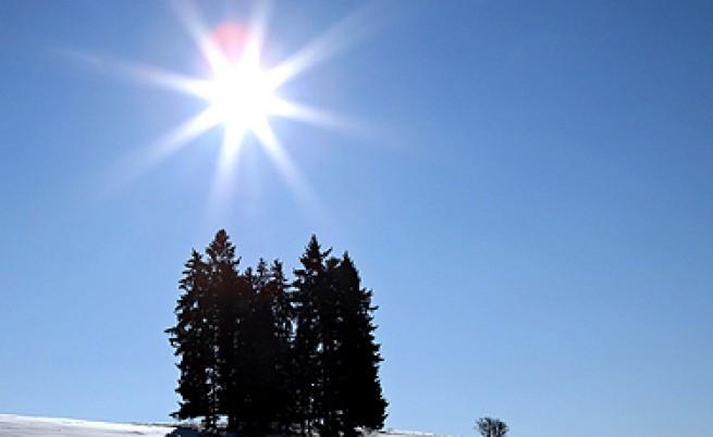 Слънчева и почти топла неделя