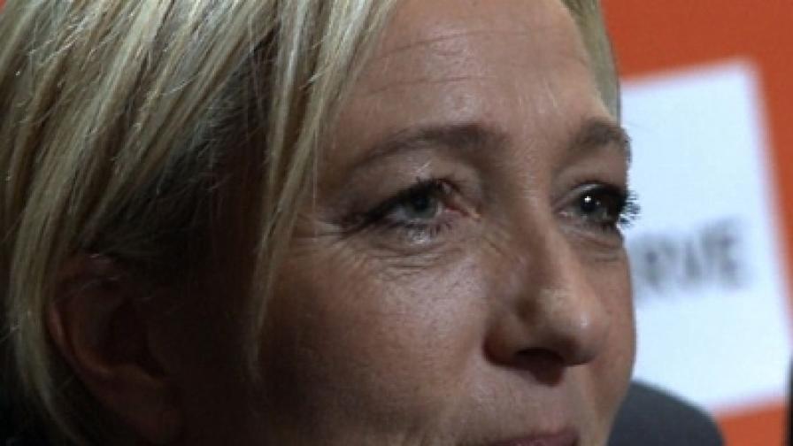 42-годишната Марин Льо Пен беше избрана за председател на френската крайнодясна партия Национален фронт, на мястото на баща си Жан-Мари Льо Пен