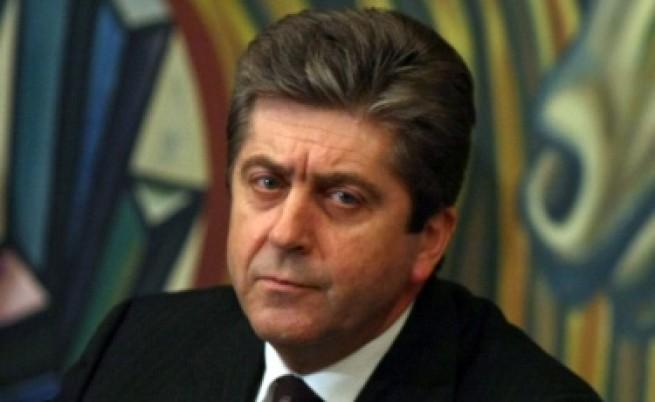 Първанов освободи шефа на правния си съвет
