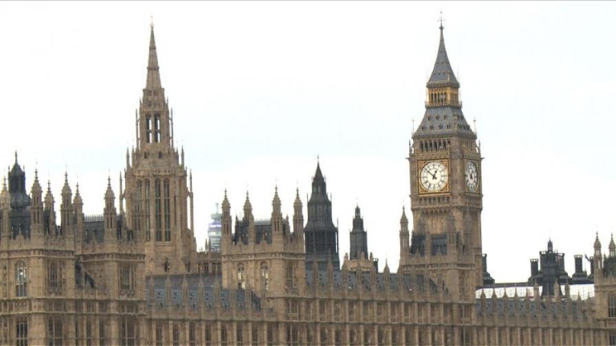 Нужни ли са походни легла в парламента?