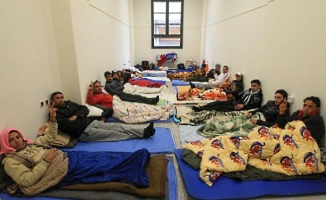 Нелегални имигранти окупираха Атинския университет