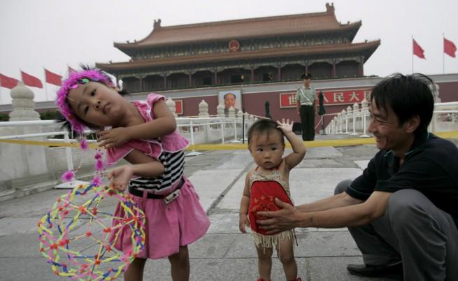 Бащите само да играят с децата си