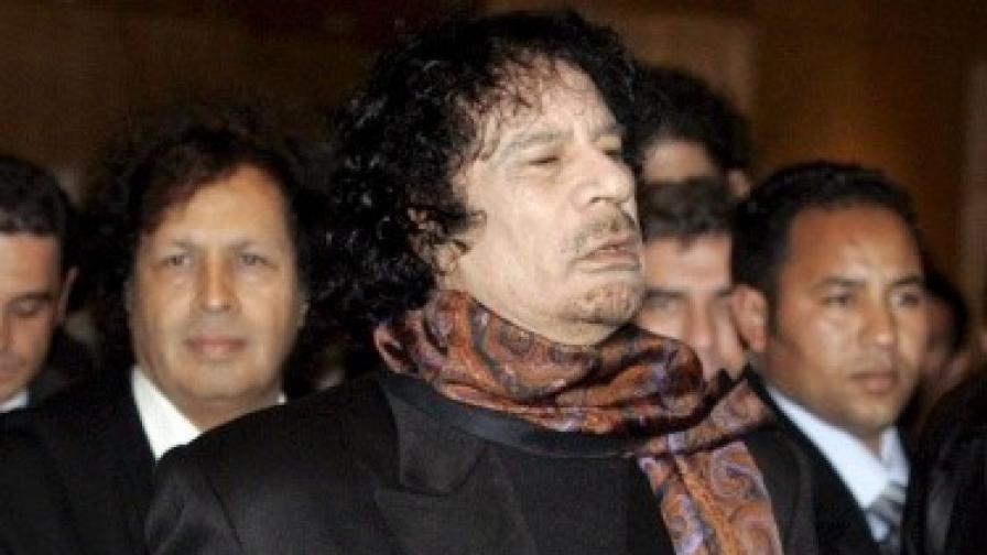 Кадафи: Либийците ме обичат, ще умрат за мен