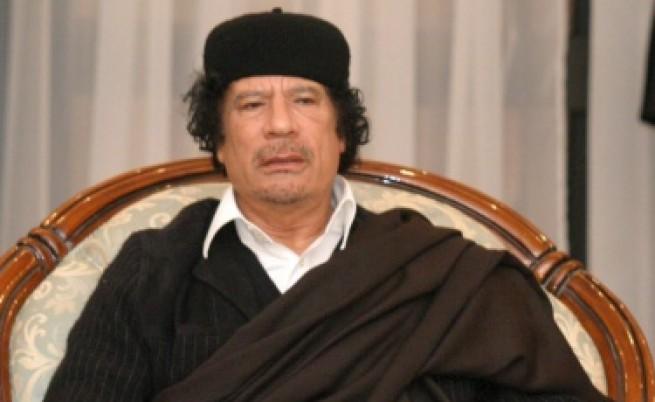 Верни на Кадафи сили се готвят за атака