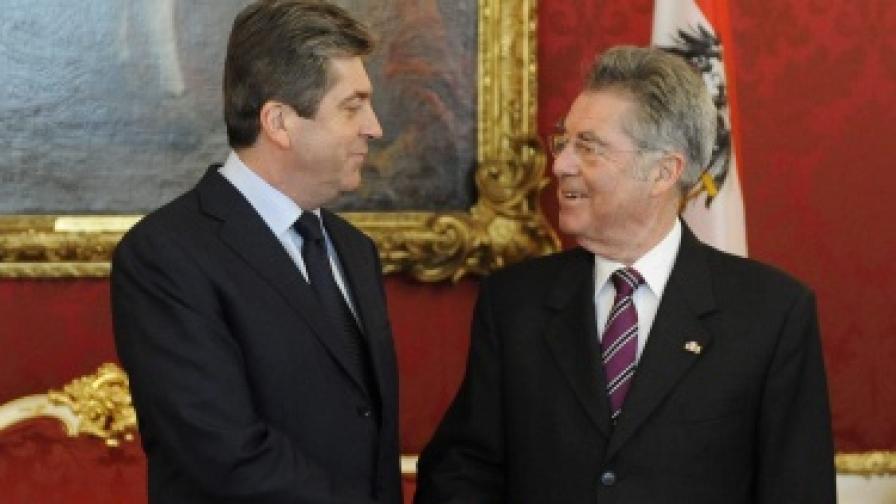 Първанов ще пази неутралитет на предстоящите избори