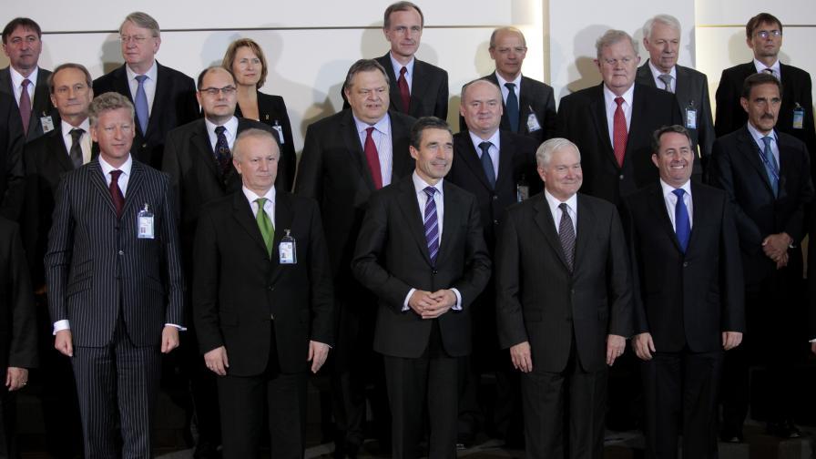 Ангелов: България е готова да участва в евентуална мисия на НАТО в Либия