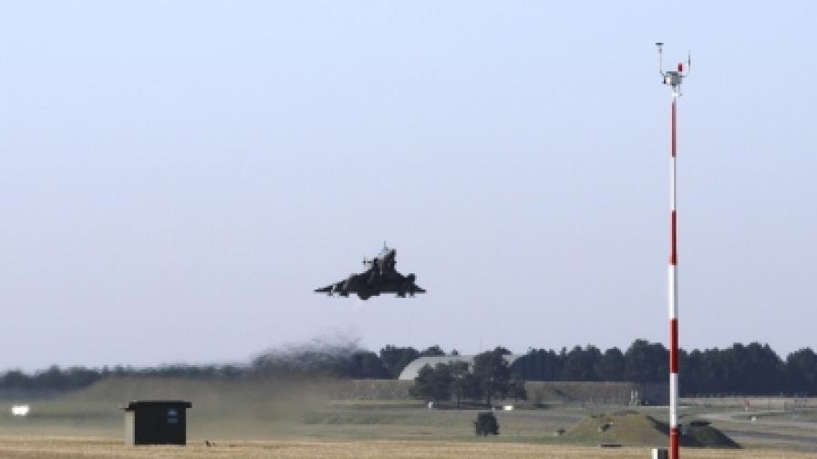 """Френски самолет """"Мираж 2000"""" излита от база в гр. Нанси за удар срещу режима на Кадафи"""