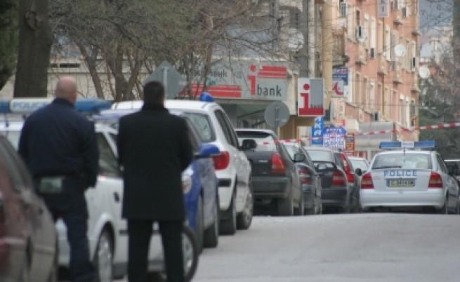 Криза със заложници в банка в Сливен