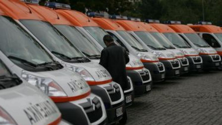 Раненият в Сливен охранител - във ВМА с опасност за живота