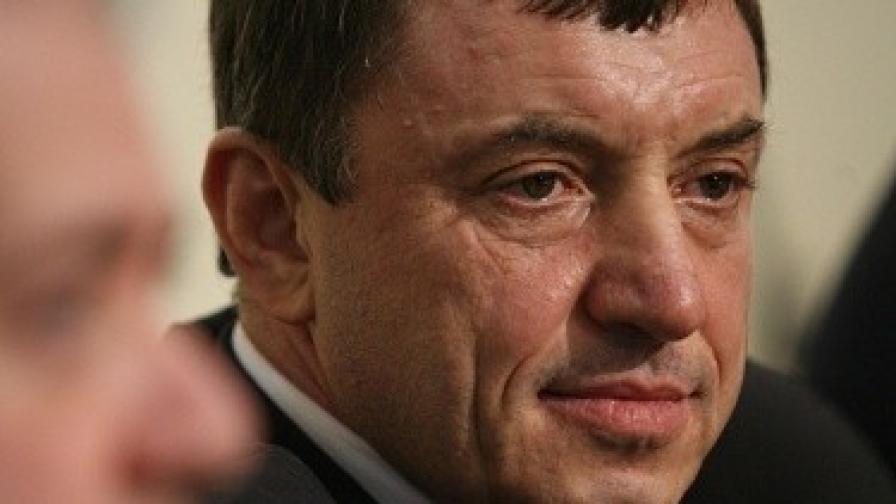 Ал. Петров: Борисов се страхува да не участвам в изборите