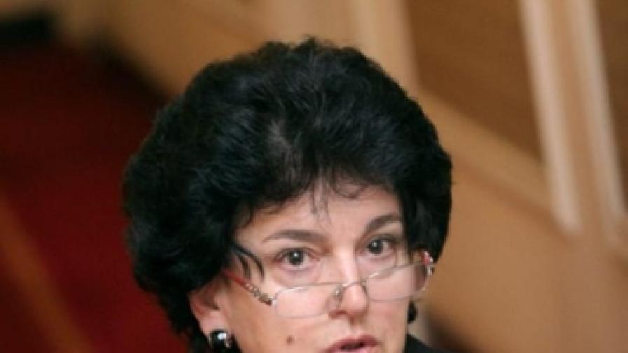 Депутат и кмет от ГЕРБ агитират в училища