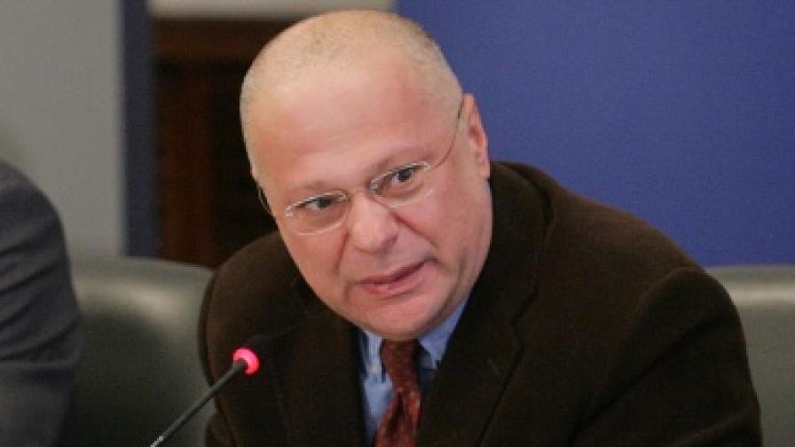 """Доклад: Правителството постави ДАНС в """"усмирителна риза"""""""