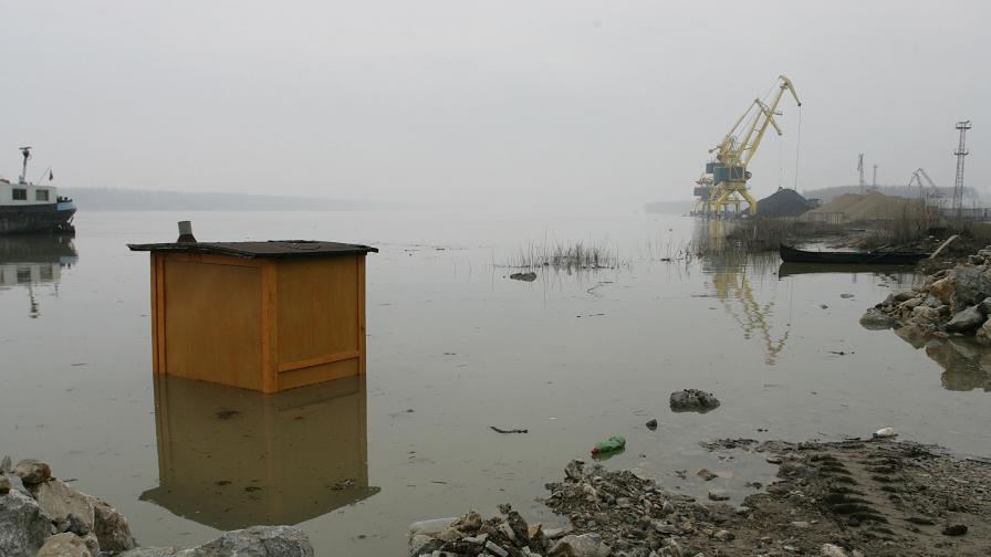 Ломската кметица забрани къпането в Дунав
