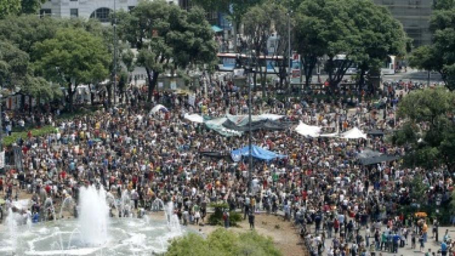 100 ранени при сблъсъци в Испания