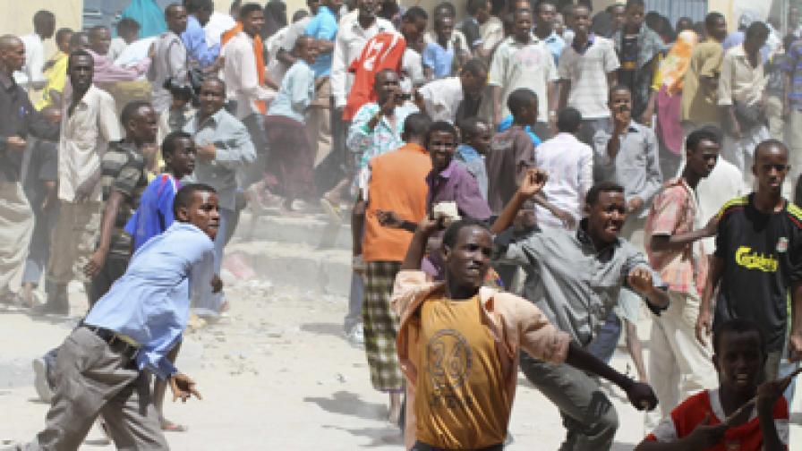 Племенница на сомалийски министър го взриви