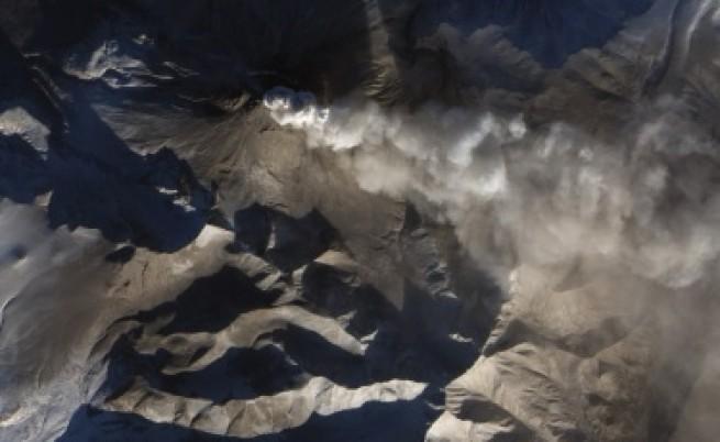 Три вулкана в Азия, Африка и Ю. Америка объркват въздушния трафик