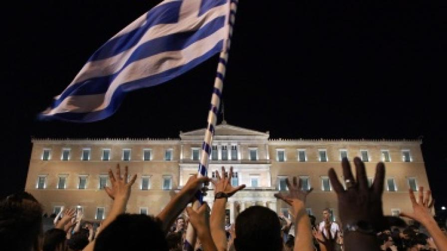 """""""Бизнес инсайдър"""": Кризата в Гърция влияе пряко на България"""