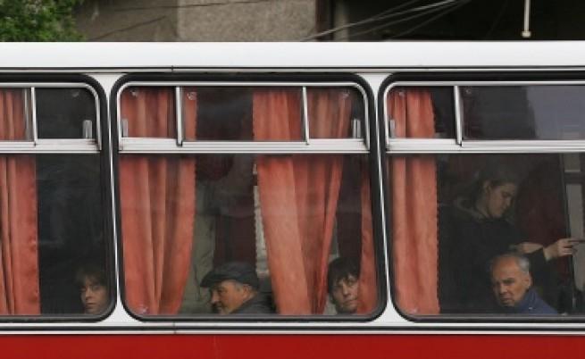 Автобус се запали във Враца