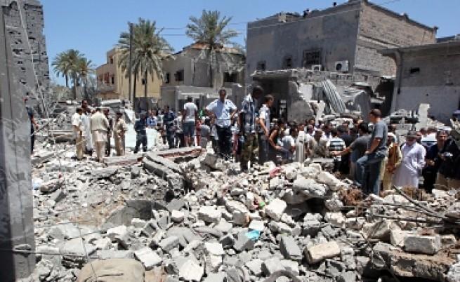Кадафи ще взриви Триполи, но няма да го даде