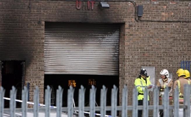 Незаконна фабрика за водка уби петима в Англия
