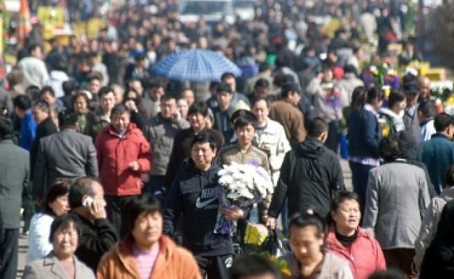 Китайците искат разрешение да имат повече от едно дете