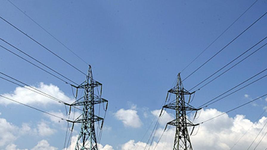 28 300 абонати на ЧЕЗ са без ток заради силна буря