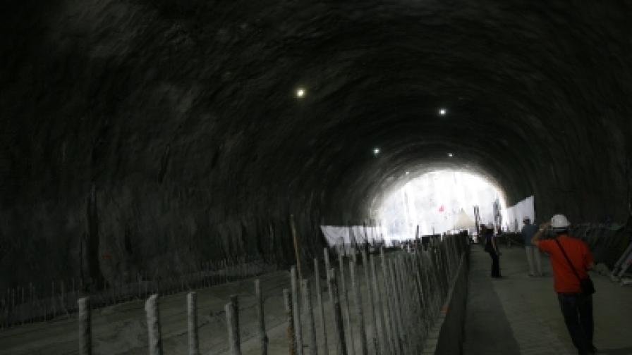 """Преди месец приключи основният етап от изграждането на възловата метростанция 8 на Софийското метро – на бул. """"Кн. Мария Луиза"""" пред ЦУМ"""