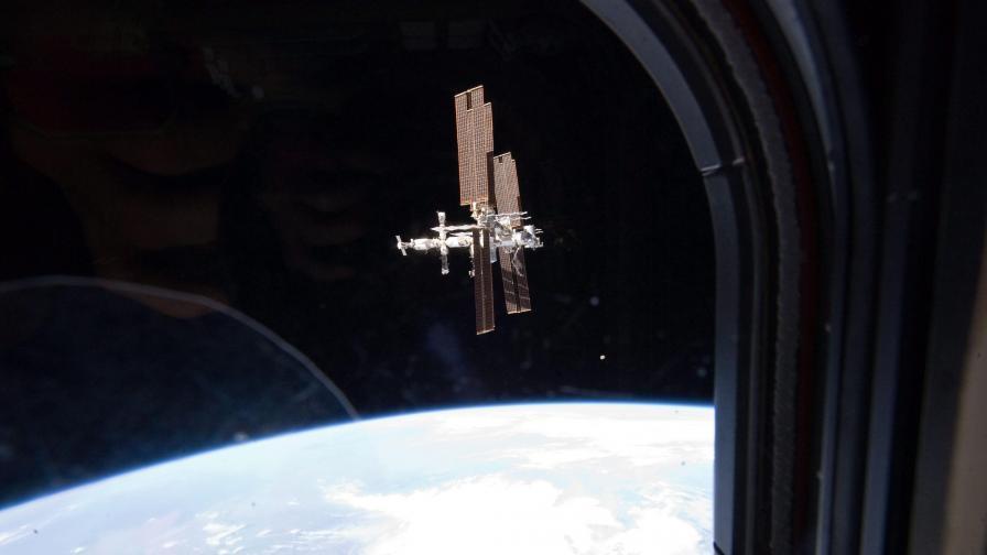 2020 г. - погребват Международната космическа станция в океана