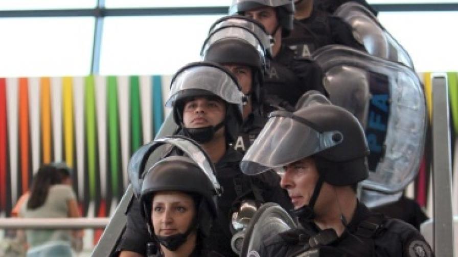 Бездомници и полиция се стреляха в Аржентина