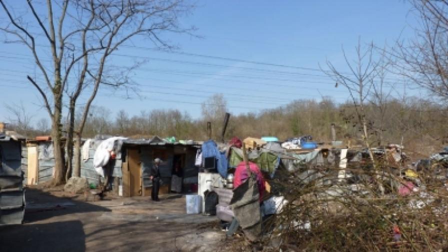 Френски кмет нарежда на румънски и български