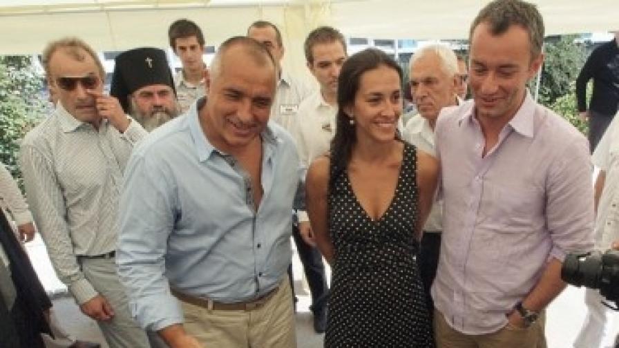 """Преди година във Варна премиерът Борисов настоя репортерите да го снимат с Николай Младенов и приятелката му Гергана, """"защото предстои важно събитие"""""""
