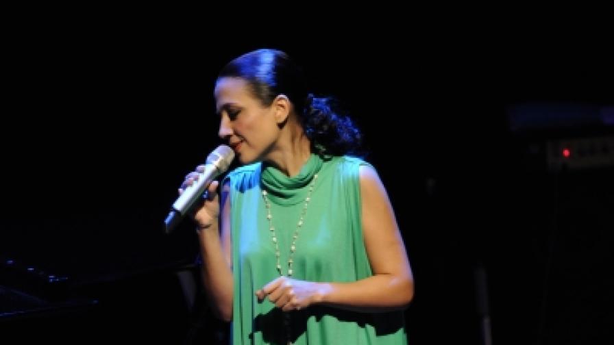 Мая Нова ще пее в Банско със своя квартет