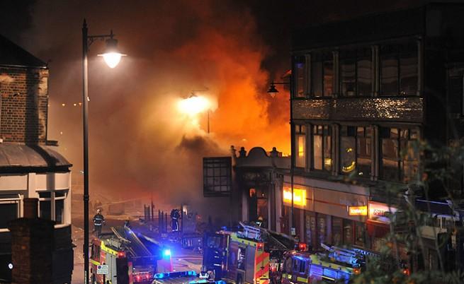 Един куршум в гърдите запалил размириците в Лондон
